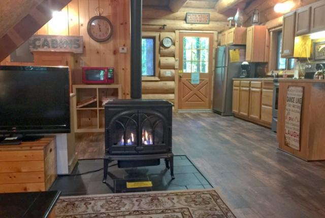 Mt. Baker Lodging Cabin #10 – REAL LOG CABIN, GR-8 AMENITIES, WIFI, SLEEPS-8! photo 59323