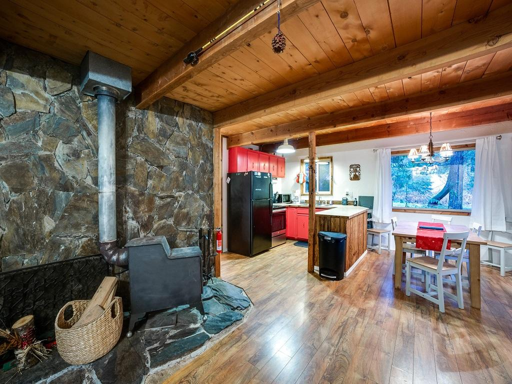 Mt. Baker Lodging Cabin #48 –WOOD STOVE, PETS OK, W/D, DISHWASHER, SLEEPS-5! photo 3992175