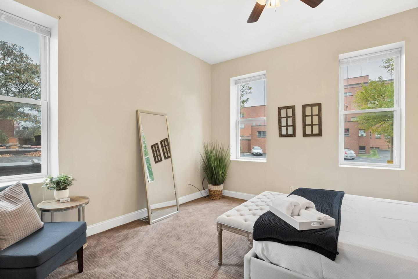 Apartment Beautiful Smarthome in Historic Downtown Area photo 31794237