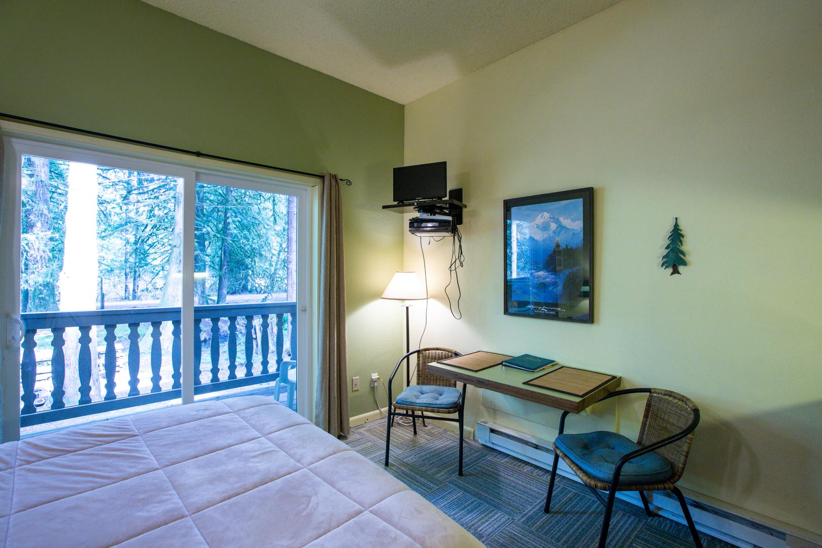 Mt. Baker Lodging Condo #77 – ECONOMICAL, CONVENIENT, KITCHENETTE, SLEEPS-2! photo 31816866