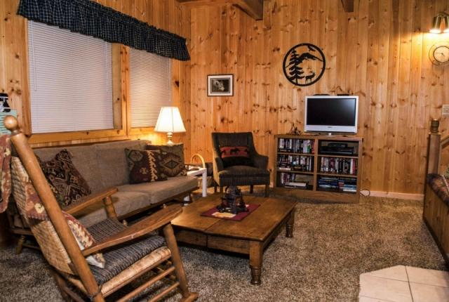 Mt. Baker Lodging Cabin #32 – WOODSTOVE, BBQ, WASHER/DRYER, PETS OK, SLEEPS-7! photo 59875