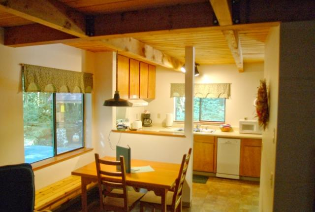 Mt. Baker Lodging Cabin #67 – HOT TUB, FIREPLACE, BBQ, PETS OK, D/W, SLEEPS-5! photo 60637