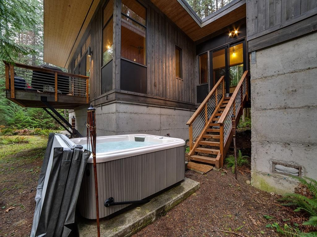Apartment Mt  Baker Lodging Cabin  42  ndash   HOT TUB  PETS OK  BBQ  W D  WIFI  SLEEPS 4  photo 3870614