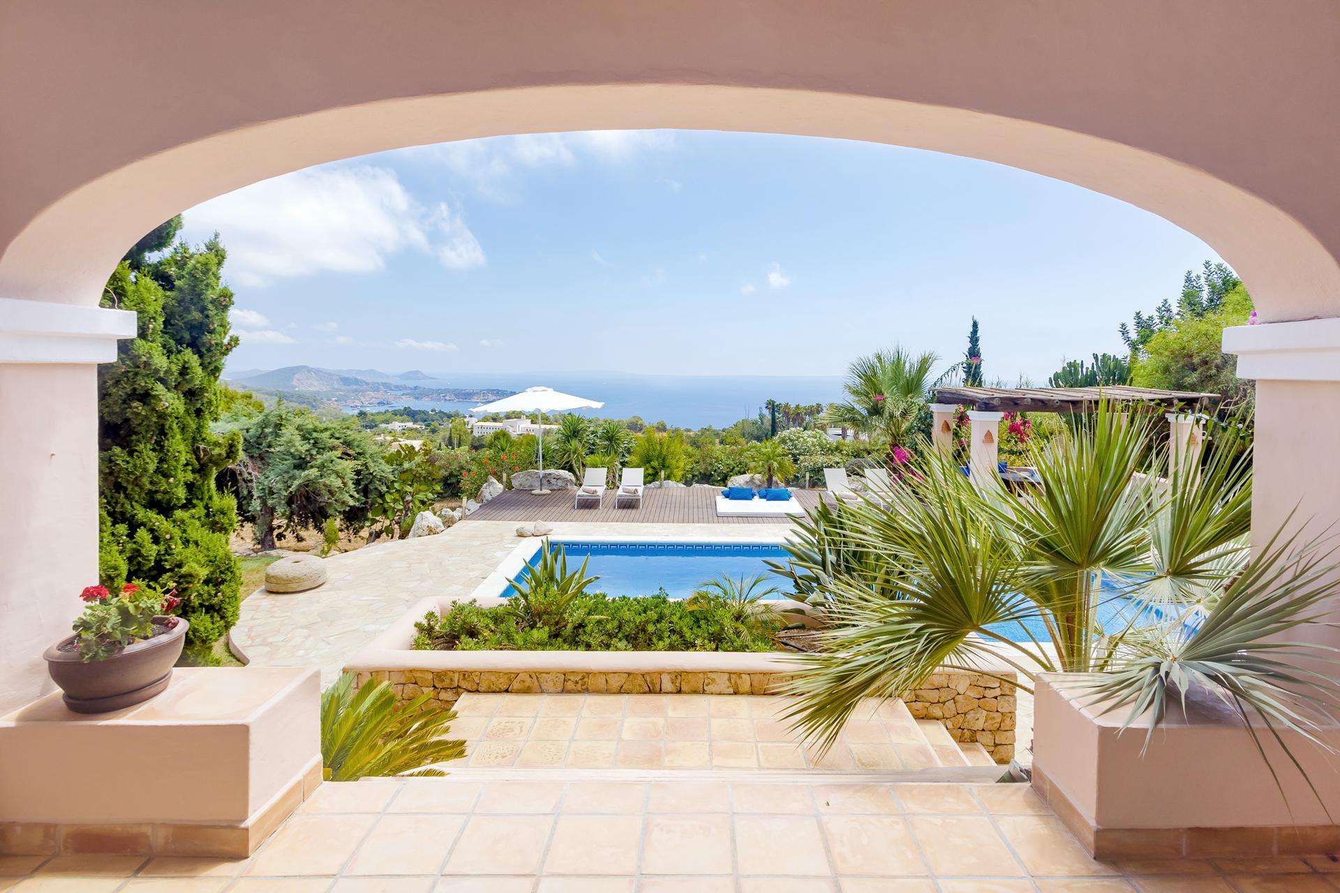 Apartment Villa Cas Berris  Lujo y Vista mar en Es Cubells photo 17812540
