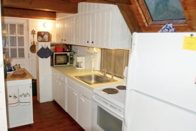 Mt. Baker Lodging Cabin #86 – RUSTIC, WOODSTOVE, BBQ, PETS OK, W/D, SLEEPS-6! photo 60872