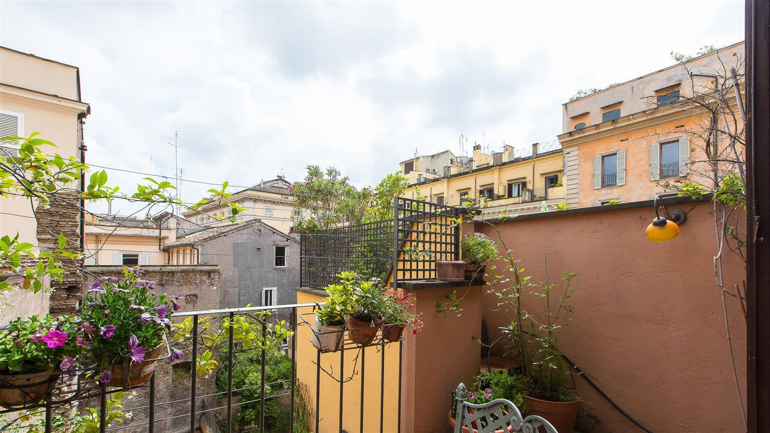 Apartment Arco della Ciambella Penthouse photo 31809603