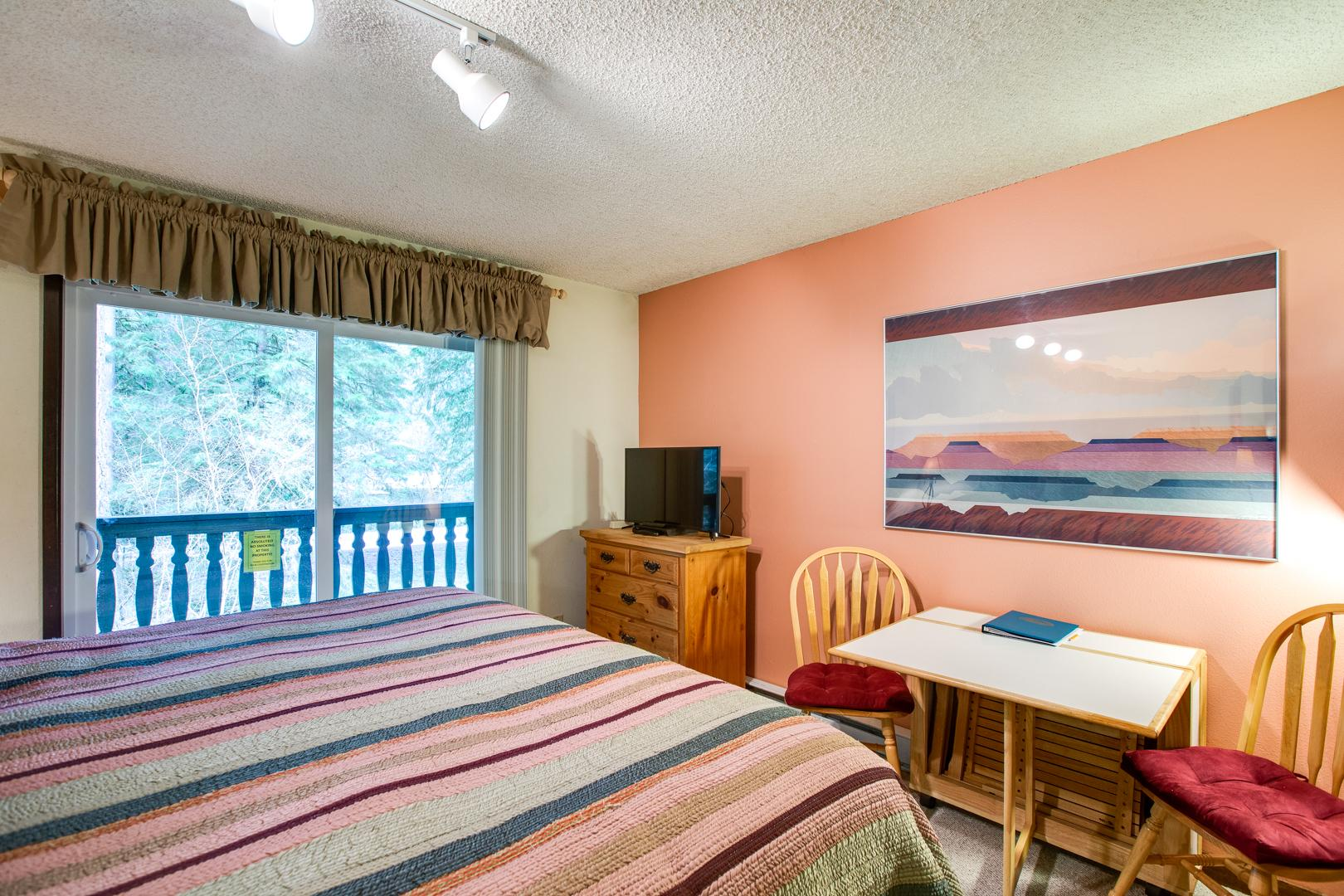 Mt. Baker Lodging Condo #46 – CONVENIENT, ECONOMICAL, KITCHENETTE, SLEEPS-2! photo 31816898
