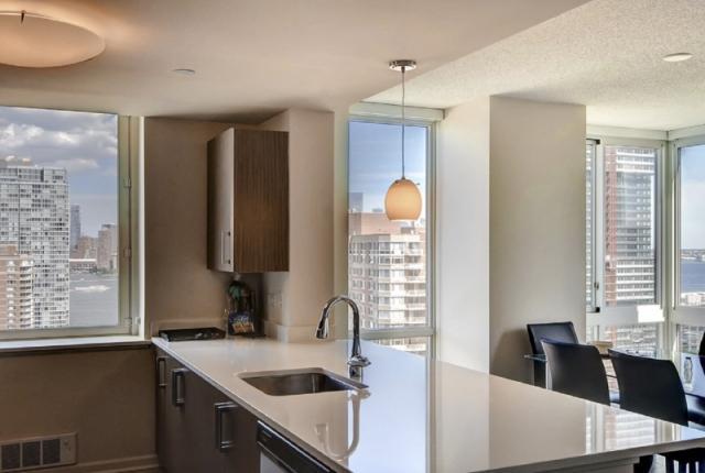 Luxury Apartments at Newport photo 53311