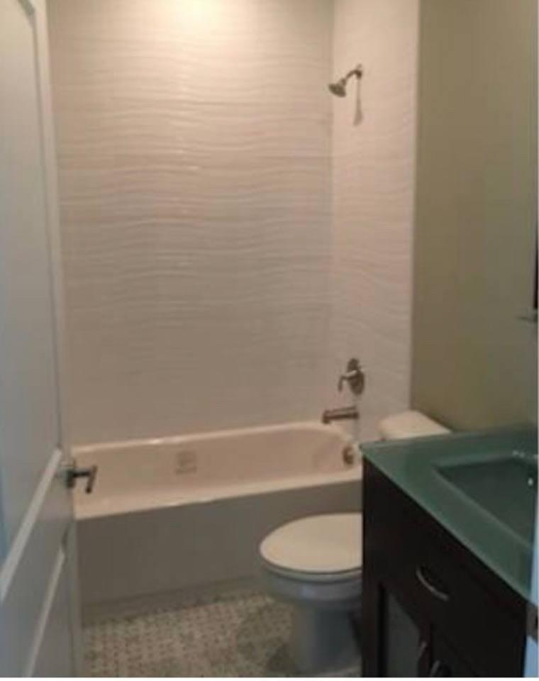 Apartment 4 Bedroom house steps from Riverwalk FtLauderdale photo 31771356