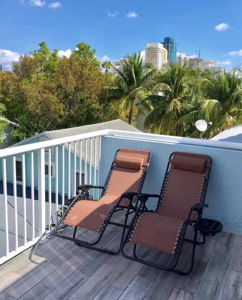 Apartment 4 Bedroom house steps from Riverwalk FtLauderdale photo 31771340