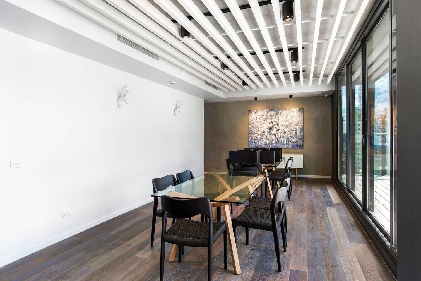 Apartment DreamHost at Carlson View 18 photo 31795052
