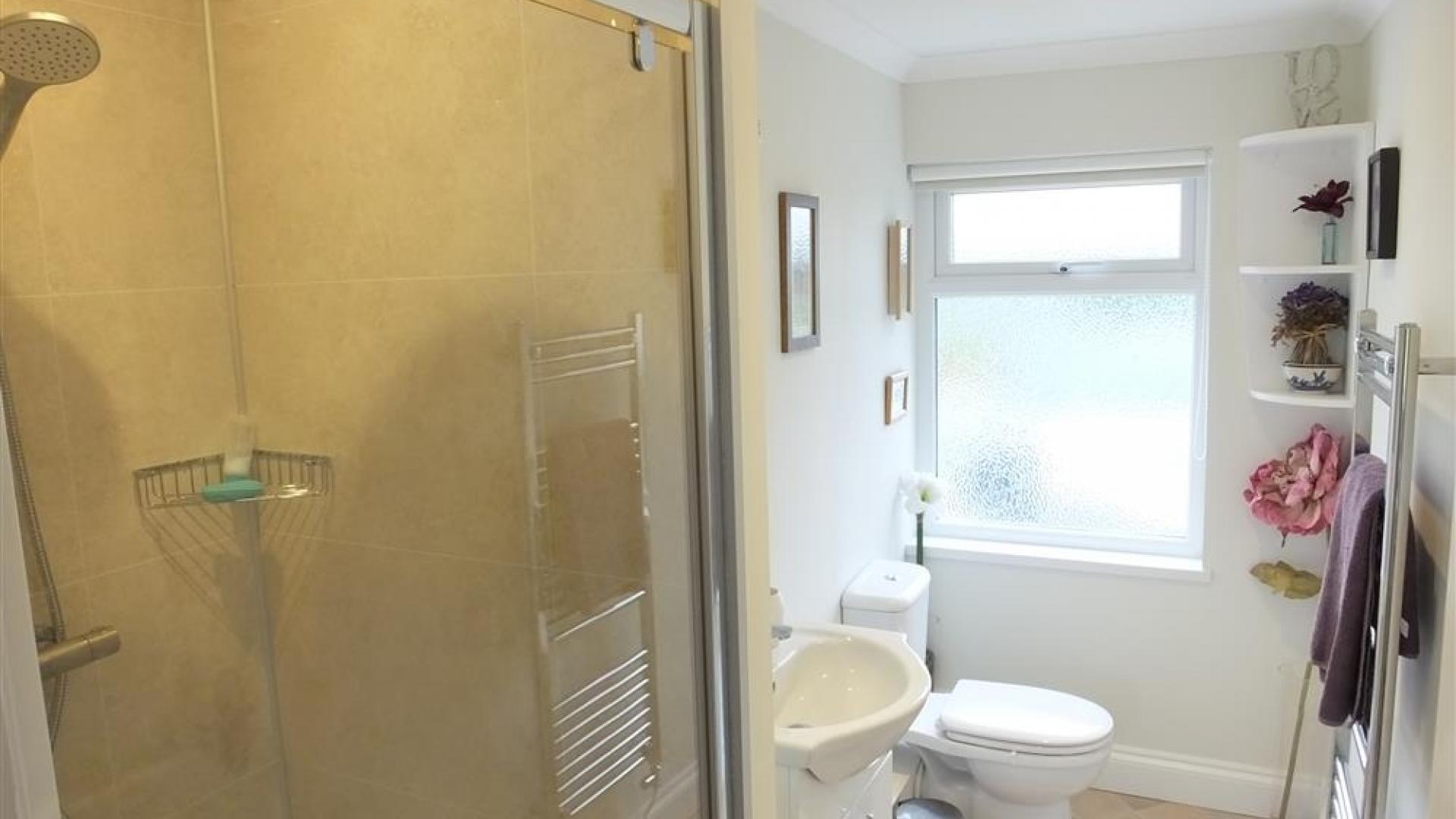 Apartment Topsham Drive photo 27740817
